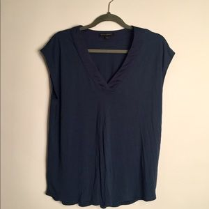 Banana republic short sleeve v neck top EUC L